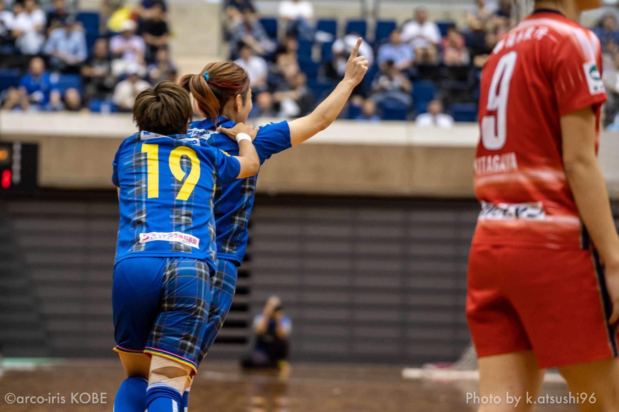 いよいよ今日は日本女子フットサルリーグプレーオフ決勝第1戦!!今日の試合もインターネットでライブ中継!